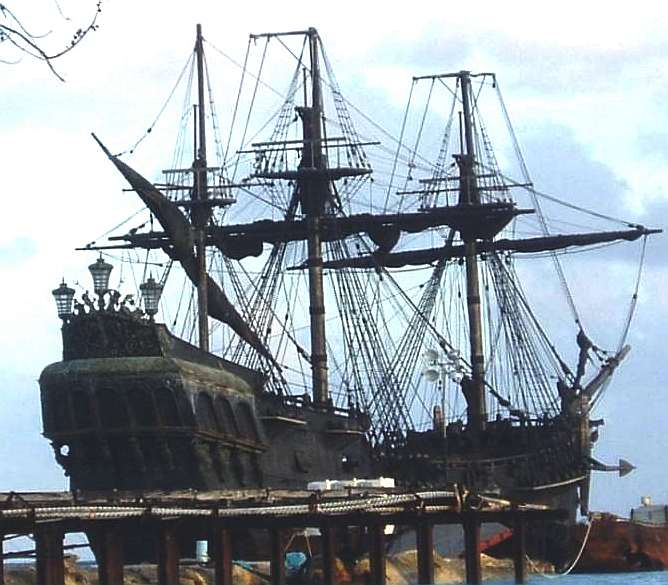 ghost_ship_docked_rigging_no_sails