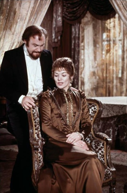 Glenda Jackson as Hedda