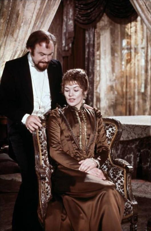 Glenda Jackson as Hedda
