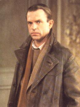 sidney-reilly-goes-undercover-in-russia-sam neill as sidney reilly