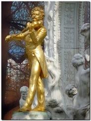 Johann Strauss, the son.Ο συνθέτης του βαλς Μπλε Δούναβης