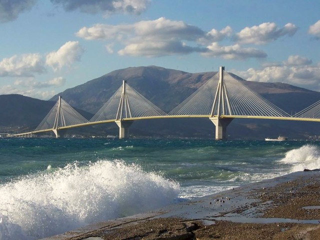Γέφυρα Τρικούπη στο Ρίο Αχαίας, Ελλάδα