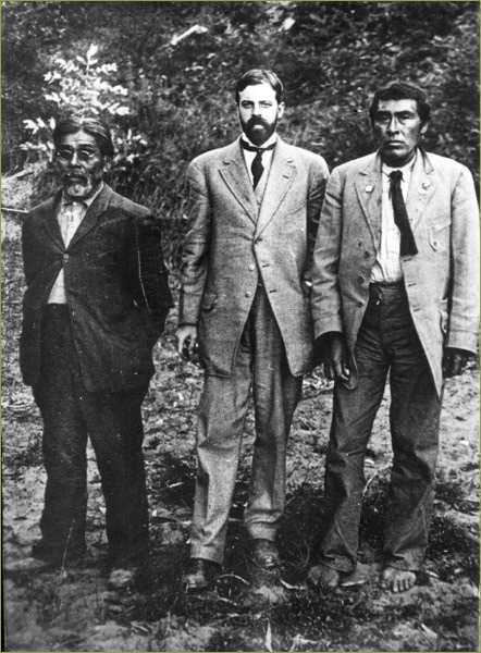 Yahi-translator-Sam-Batwai-Alfred-L.-Kroeber-and-Ishi-photographed-at-Parnassus-in-1911.-Image-courtesy-of-UC-Berkeley-Phoebe-Hearst-Museum-of-Anthropolog.jpg