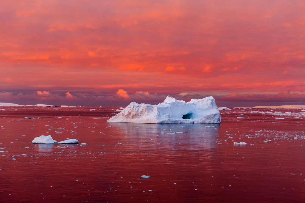 antarctic-melt-lemaire-channel-sunset